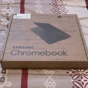 Samsung mini laptop for trade